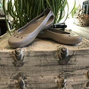 Crocs Kadee women's open peep toe flats size 9